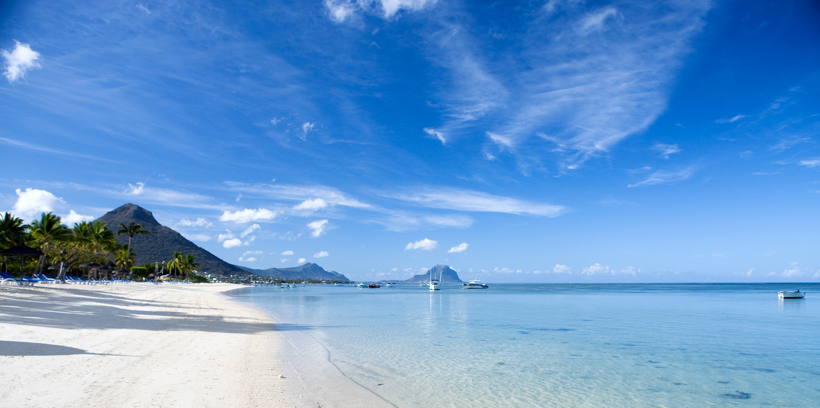 Long stretches of white sand beaches and glassy lagoons are what make the island so popular with tourists ©Mauritius Tourism