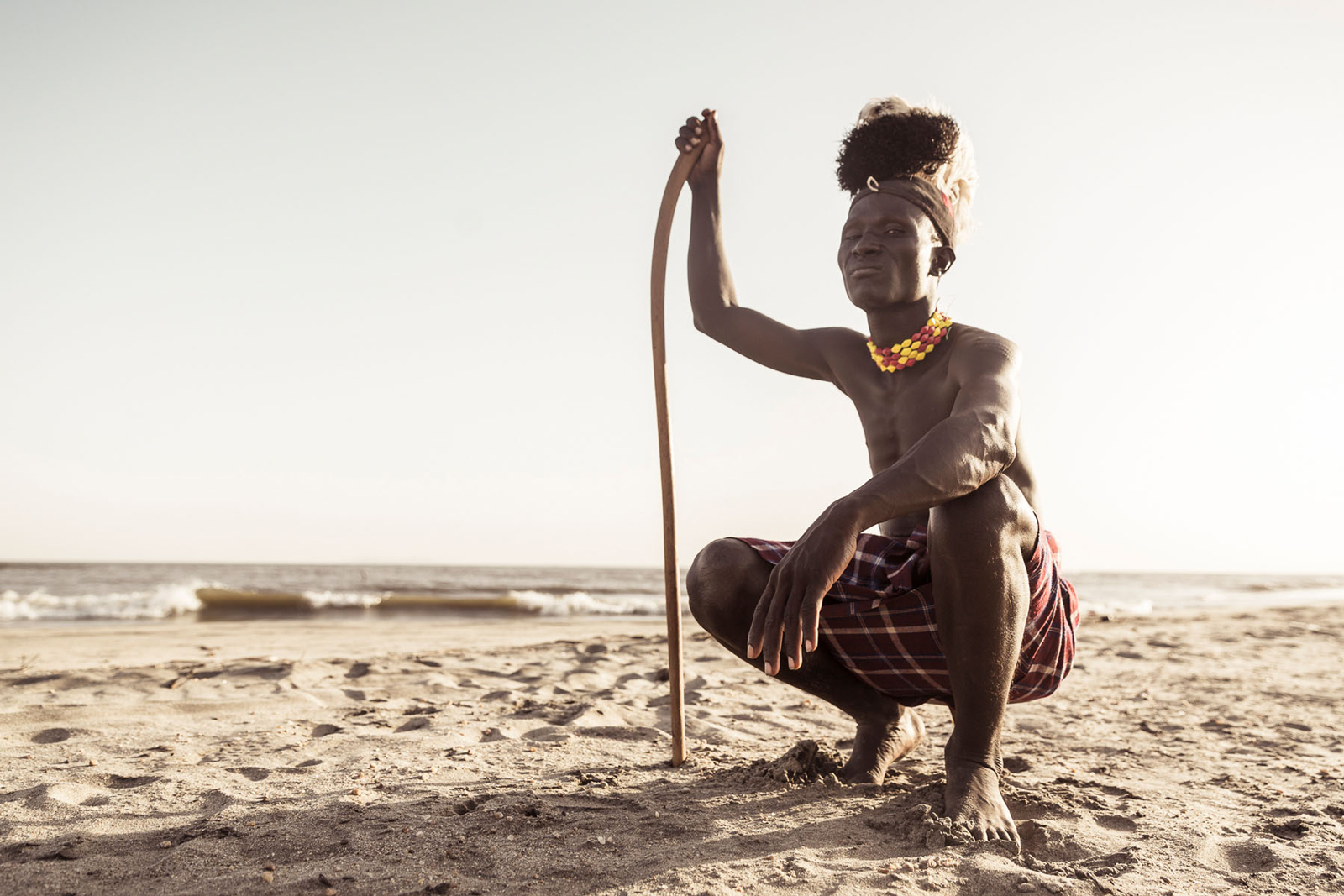 "A Turkana tribesman on the shores of Lake Turkana © <a href=""https://content.notesfromtheroad.ch/turkana-cradle-of-mankind/"" target=""_blank""> Joe Bürgi </a>"