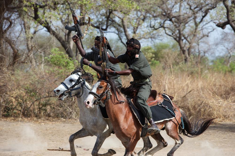 Michael-Lorentz-Zakouma-horses-rangers