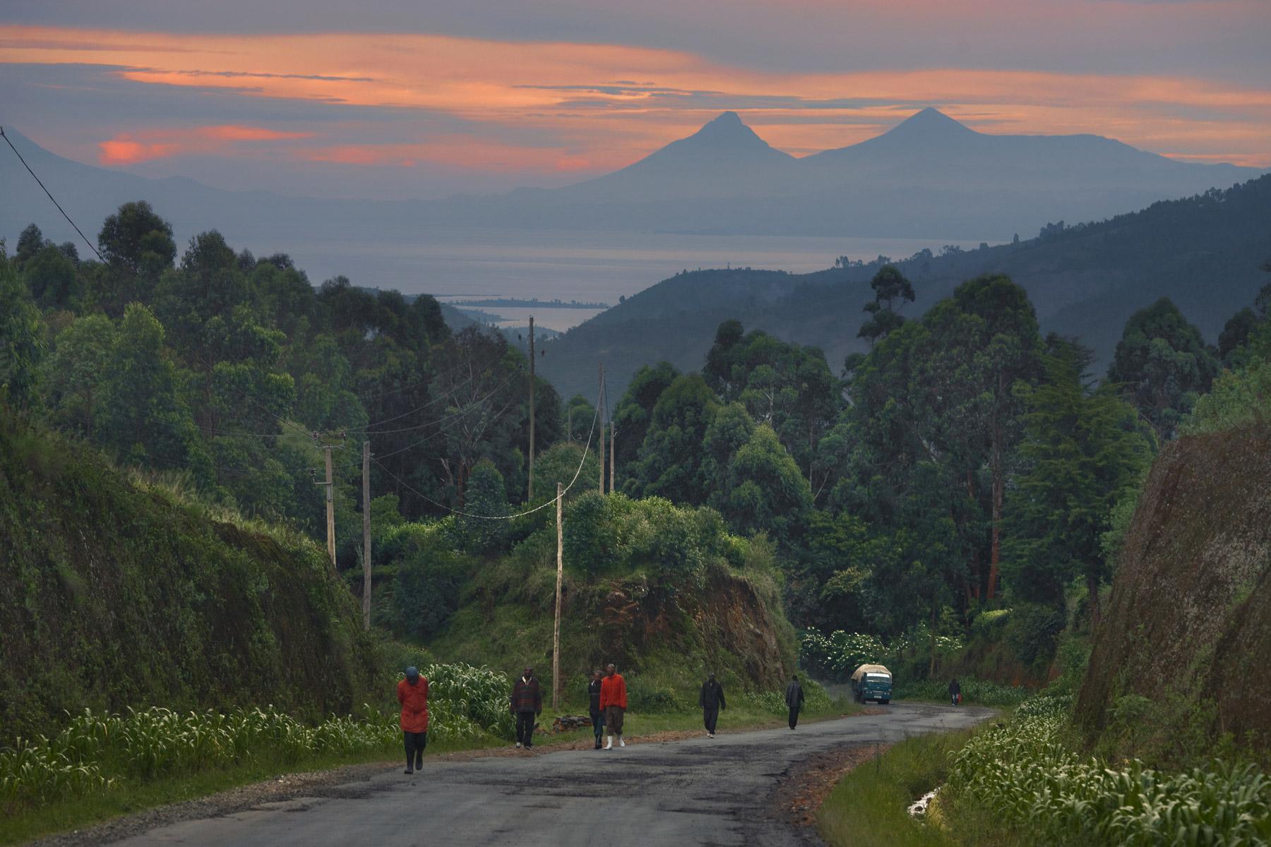 RWANDA_rural_road_lake_kivu