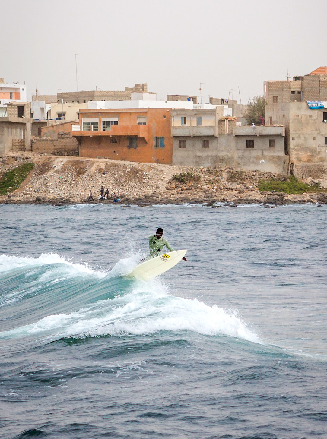 senegal-surfer-cutback_BobbiLe-Ba-Photography_2015-525