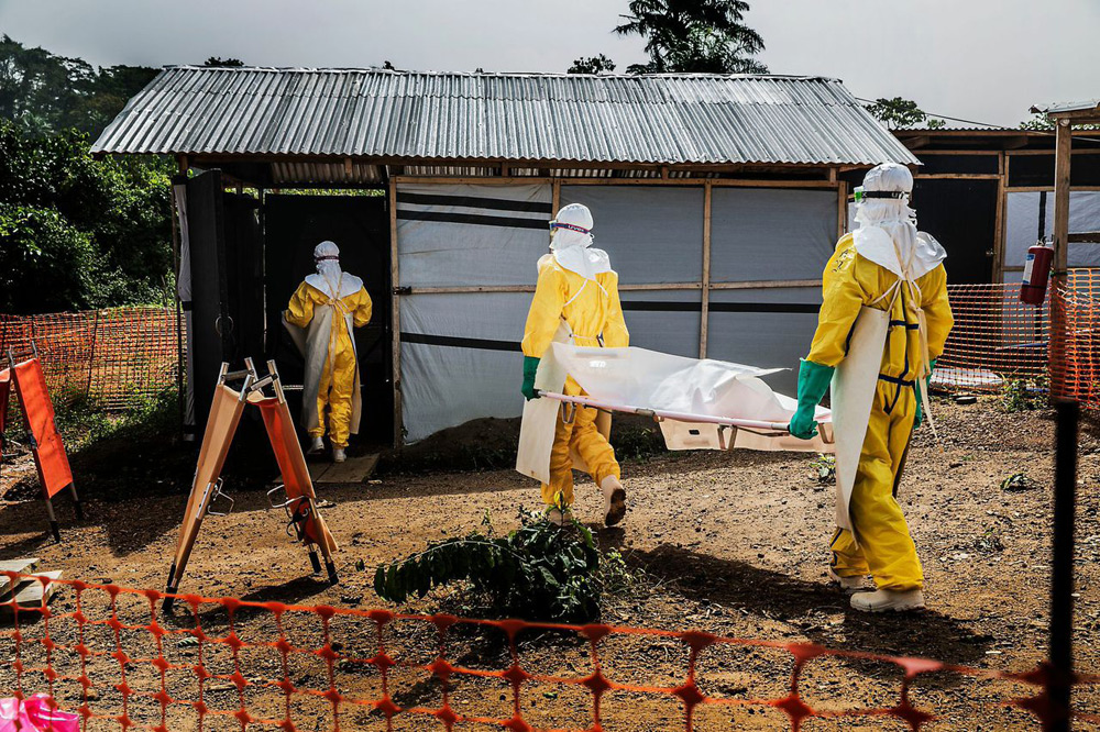 Ebola-victim
