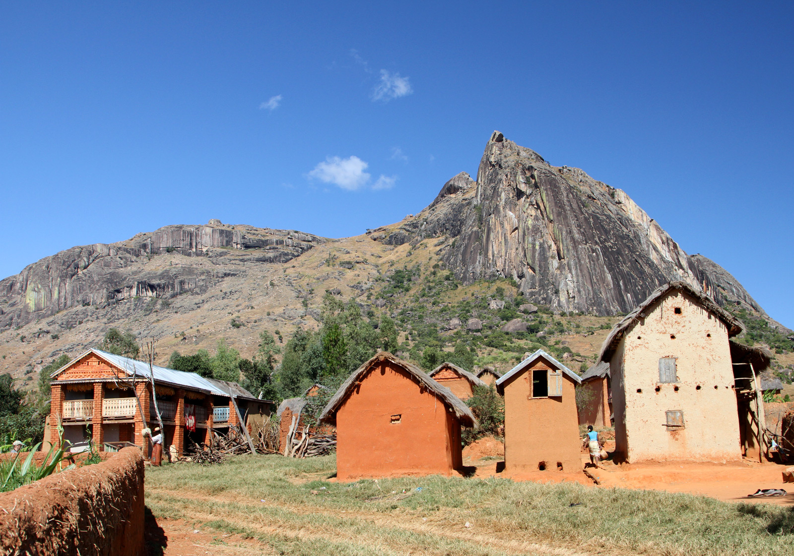 Tsara-Andonaka-Village