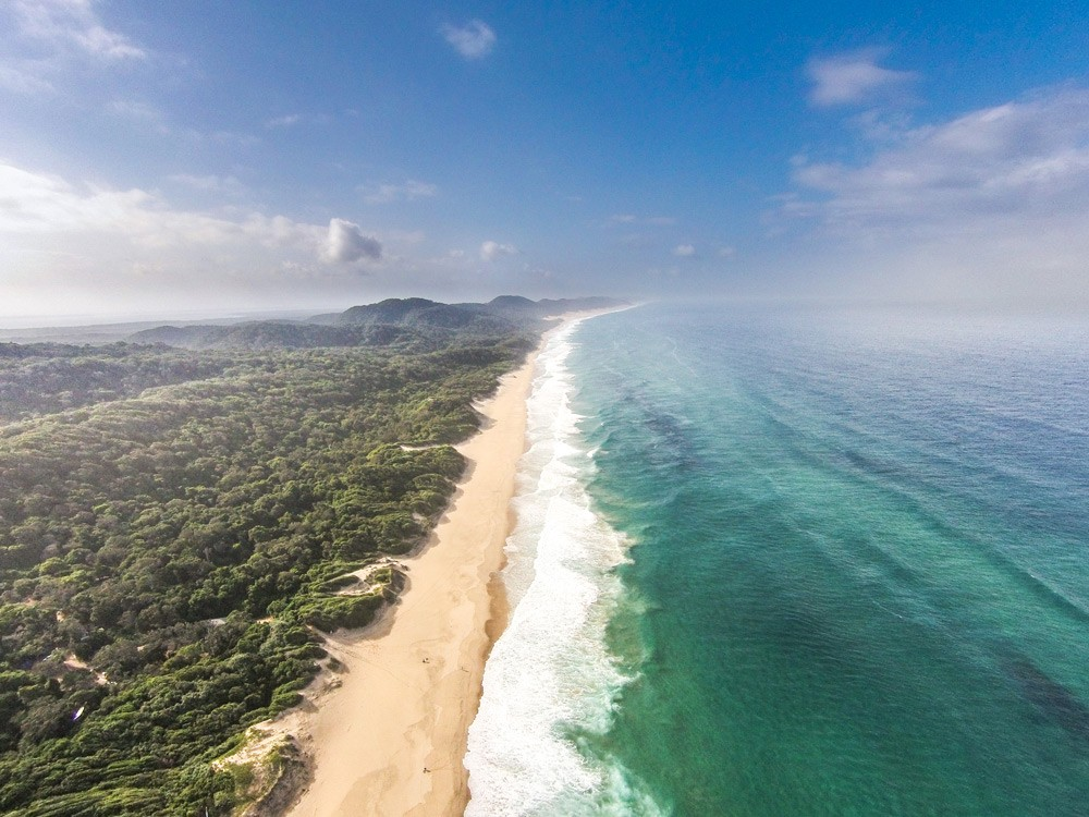 Surrender to the beautiful coastline of KwaZulu-Natal ©Paul Changuion, Makakatana Bay Lodge