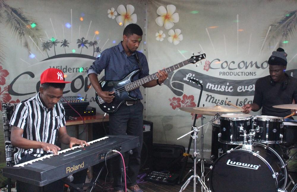 live-music-cocomo-restaurant