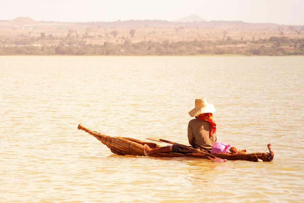 Watch the world float by on Lake Tana ©Luca Zanon