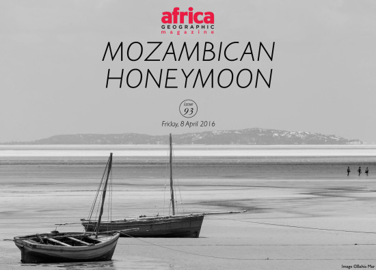 mozambican-honeymoon-boats-people-walking