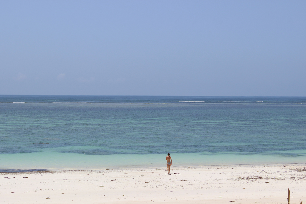 Time for a dip outside AfroChic Diani ©David Winch