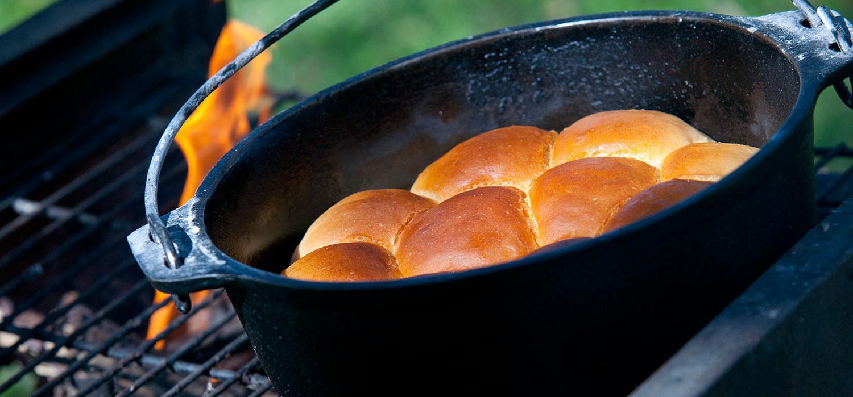 bread baked in a pot, food, cuisine, African safari, food on safari