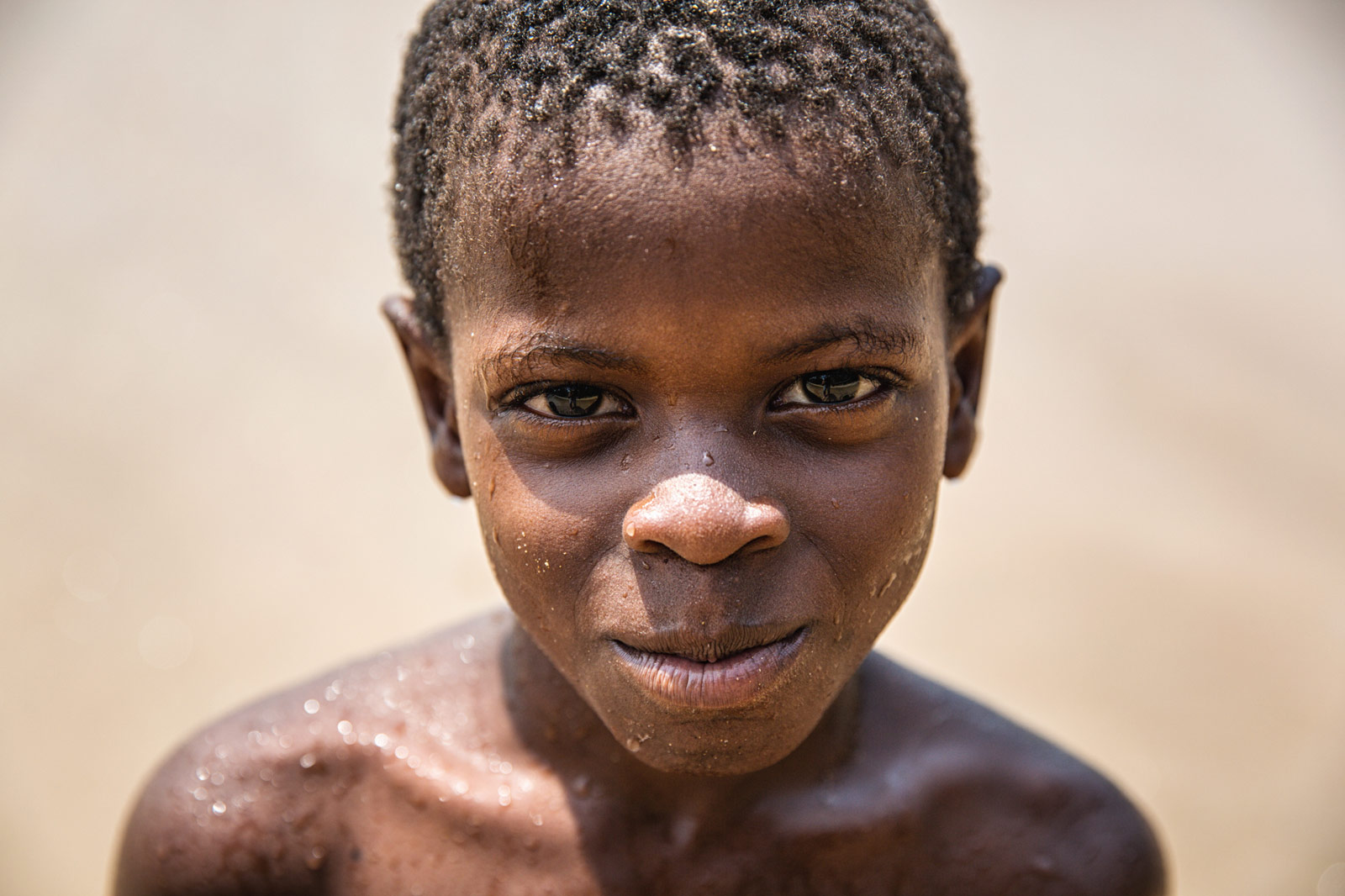 young-island-boy-sao-tome-Artur-Cabral-CZ3B9425-Editar