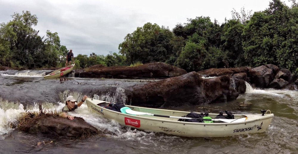 floating-canoes-river-expedition 2