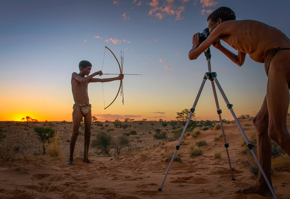 A double take on shooting in the Kalahari ©Ferdinand Veer