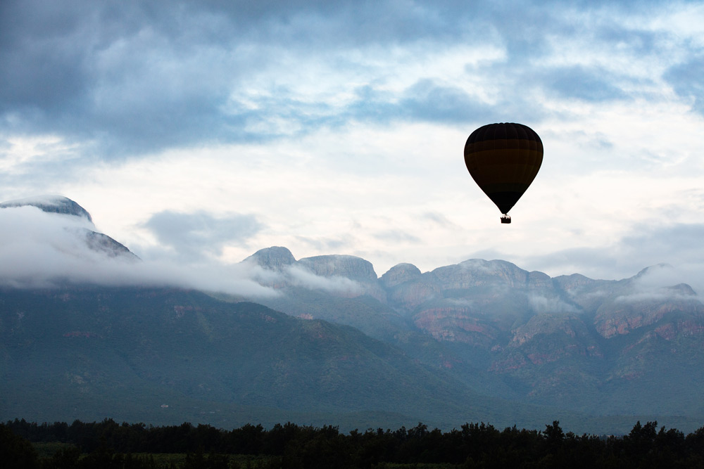 Enjoy Hoedspruit from a different perspective in a hot air balloon ©Villiers Steyn